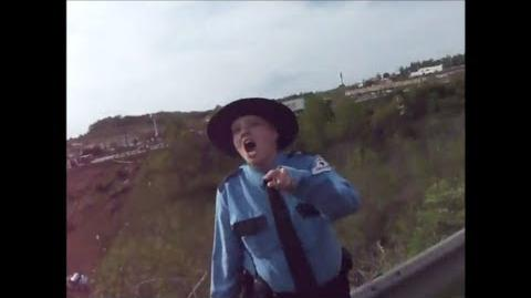 Ohio Mall Cop Loses Her Cool - FULL Video