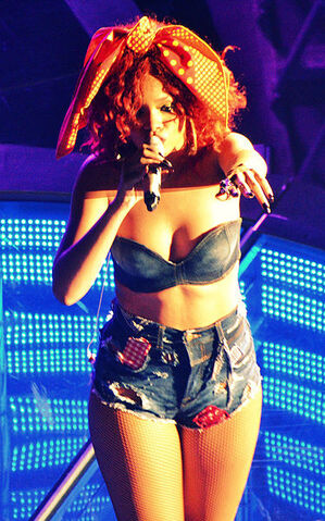 File:374px-Rihanna, LOUD Tour, Baltimore 1.jpg