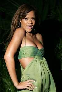 File:Rihannasos3.jpg