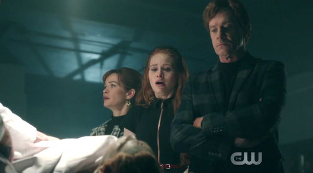 File:Season 1 Episode 2 A Touch of Evil Cheryl, Penelope, and Cliff Blossom looking over Jason.png
