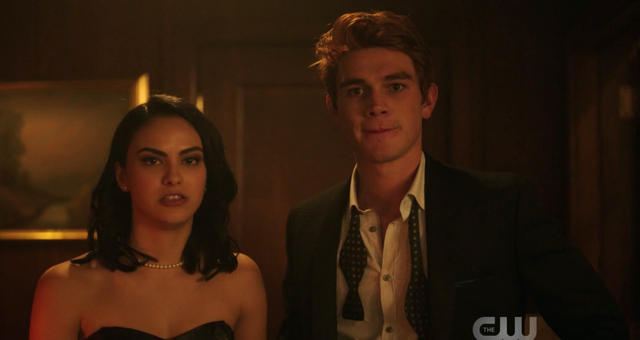 File:Season 1 Episode 1 The River's Edge Veronica and Archie.png