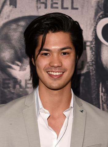 File:Ross Butler.png