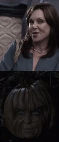Pumpkinhead-mom
