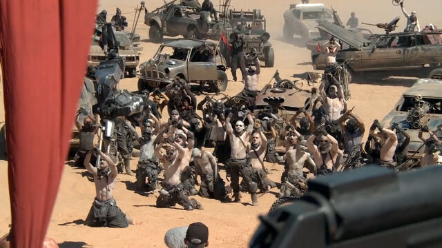 File:Ss-mad-max-fury-road-146b.jpg