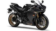 2010-Yamaha-YZF-R1-EU-Midnight-Black-Studio-001