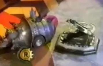 File:Twisted Metal Evo vs Krab Bot.JPG