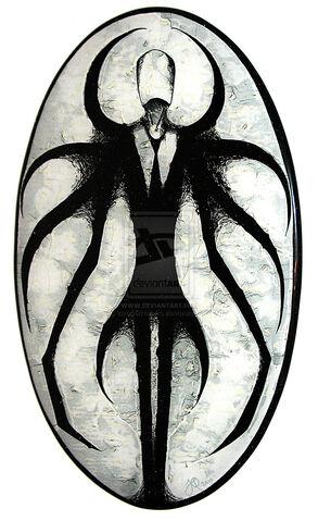 File:Slender Man Oval by InvaderHaruko.jpg