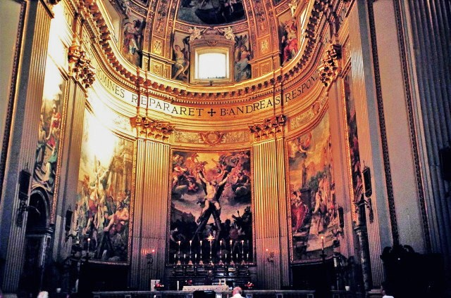 File:The Main Altar of the Church of Sant'Andrea della Valle.jpg