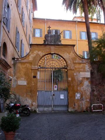 File:2011 Sacro Cuore, gate.jpg