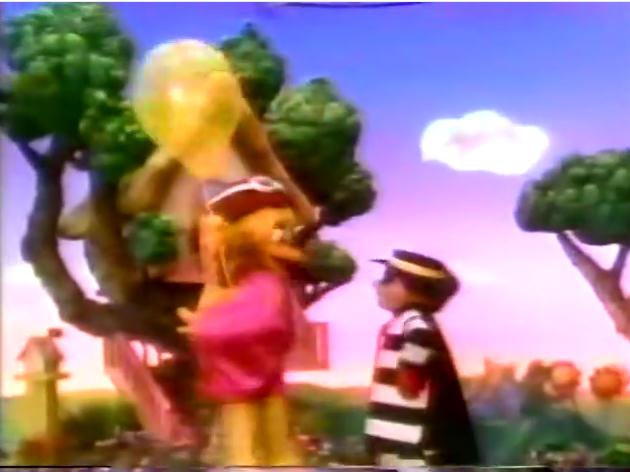 File:Hamburglar Helps Birdie with Balloon.png