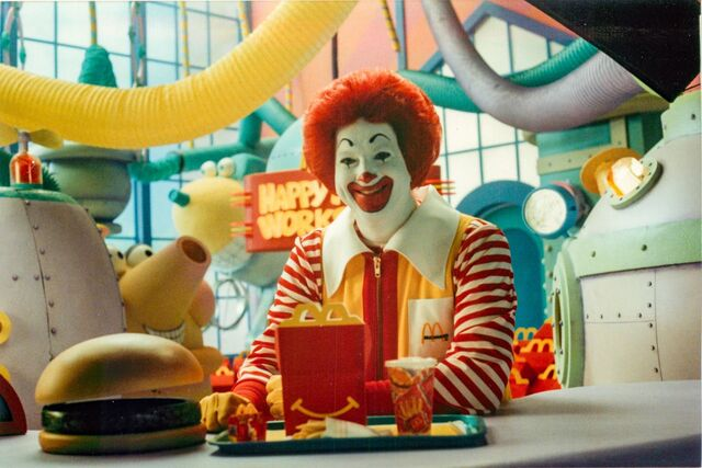 File:Ronald with a Happy Meal 1.jpeg