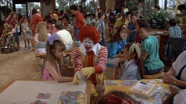File:Ronald in Mac & Me 1.jpg