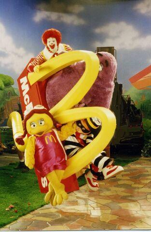 File:Ronald McDonald & Friends 16.jpg