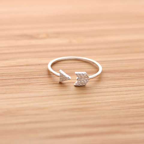 File:Cupid arrow ring cry silver 1 large.jpg