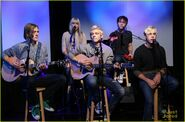 R5 music choice play stop (2)