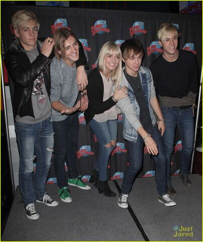 File:R5 Planet Hollywood (15).jpg