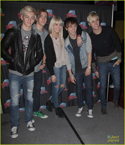 File:R5 Planet Hollywood (13).jpg