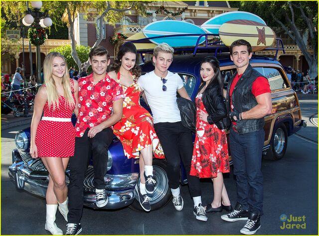 File:Ross with TBM Disney Parade (5).jpg