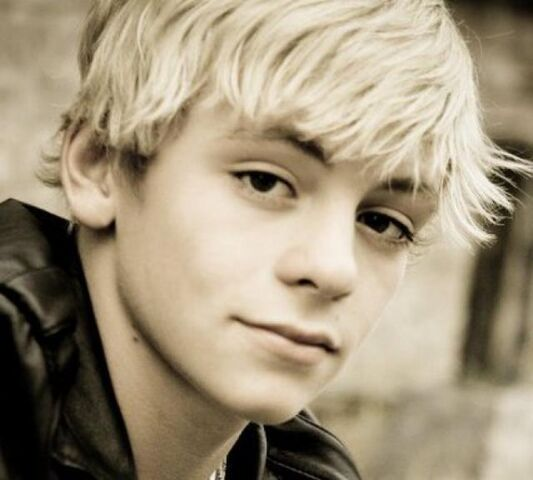 File:Ross Lynch (12).jpg