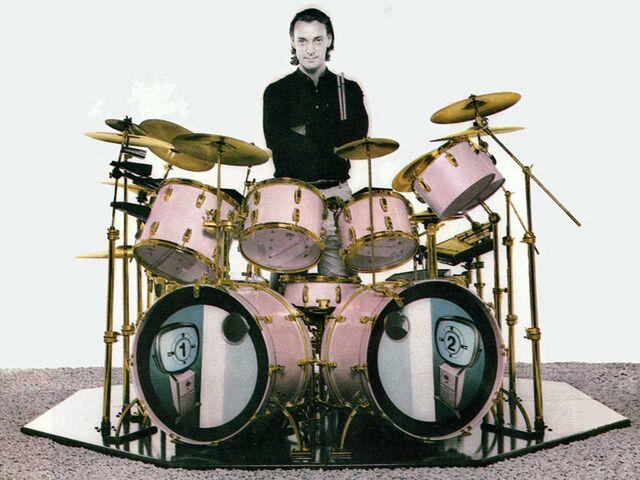 File:Ludwig, Hot Pink.jpg