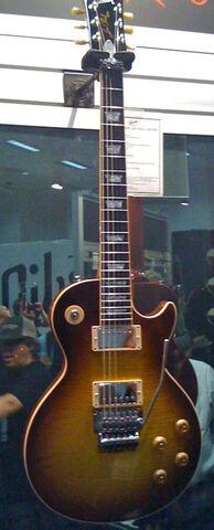 File:Gibson Les Paul Axcess Alex Lifeson.jpg