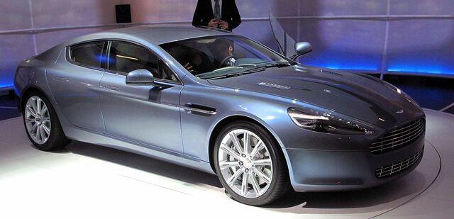 File:Blade - 2010 Aston Martin Rapide in real life.jpg