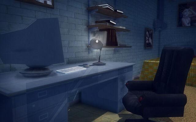 File:Red Light Loft - Classy - desk.jpg