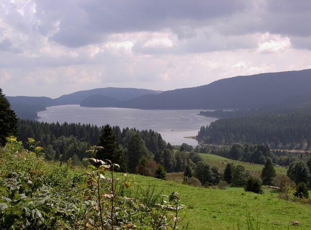 File:Twigger Lake.jpg