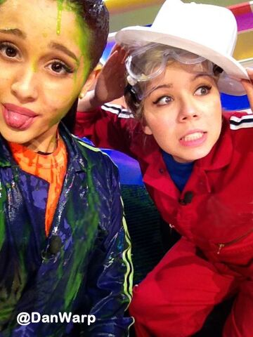 File:Ariana and Jennette on Figure It Out.jpg