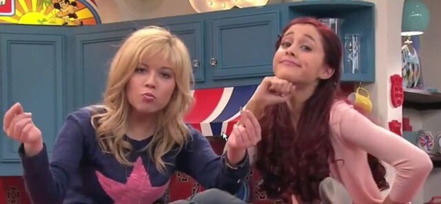 File:Sam and Cat in the theme song.jpg
