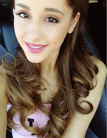 File:Ariana May 25, 2013.jpg