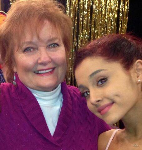 File:Maree Cheatham in a Purple Cardigan with Ariana Grande.jpg
