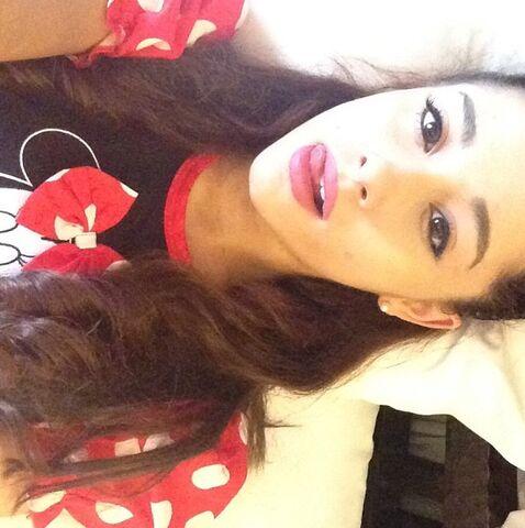 File:Ariana as Minnie Mouse.jpg