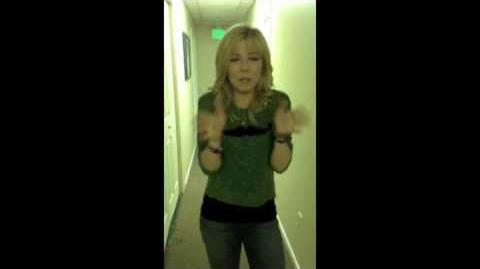 EXCLUSIVE! Inside Jennette McCurdy's Dressing Room!