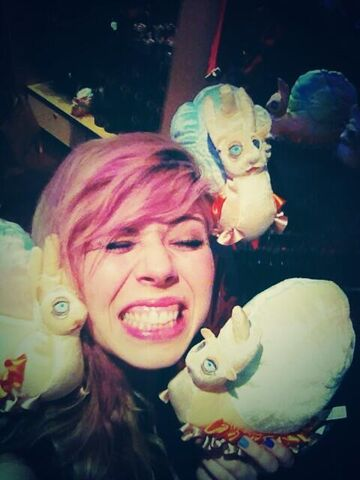 File:Jennette McCurdy with toys.jpg