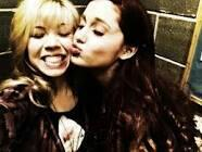 File:Ariana and Jennette.jpg