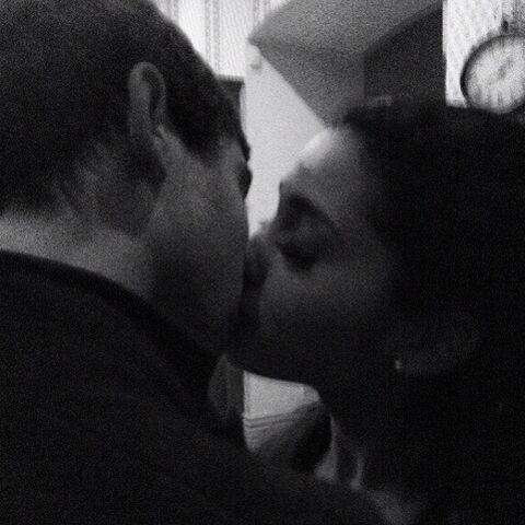 File:Jai kisses Ariana Feb 20, 2013.jpg