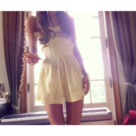 File:Ariana's outfit June 3, 2013.jpg