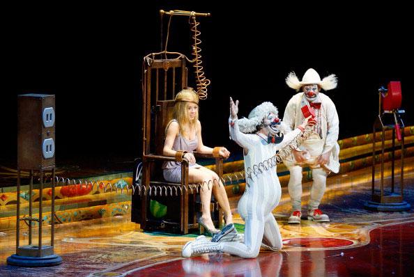 File:Jennette on stage for Cirque Zarkana.jpg