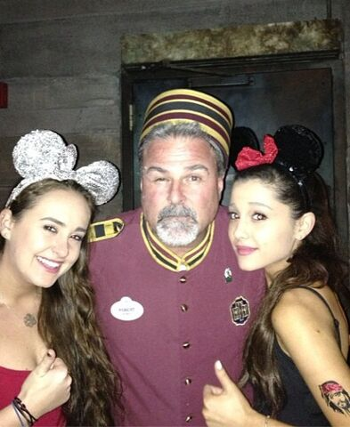 File:Ariana and Alexa Luria with Robert from Tower of Terror.jpg