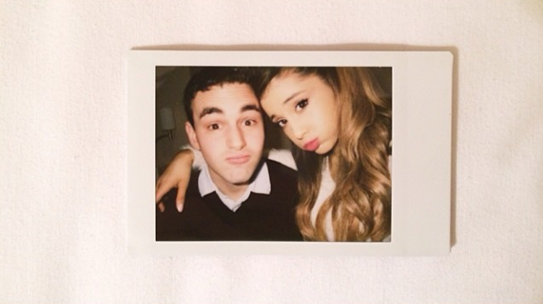 File:Ariana with a friend in Japan.png