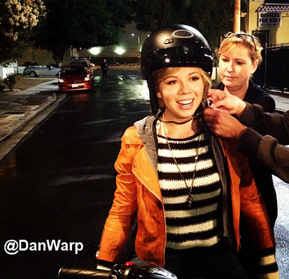File:Jennette gets ready to ride a motorcycle.jpg