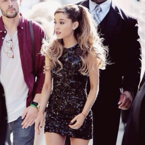 File:Ariana Grande on January 25, 2014.png