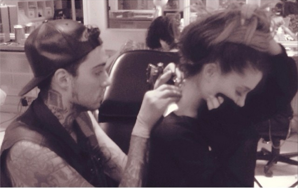 File:Ariana Grande getting a tattoo.png