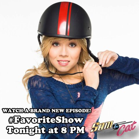 File:Sam fastening her helmet - promo pic for FavoriteShow.jpg