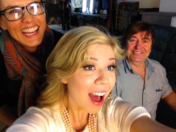 File:Jennette with her makeup team from Swindle.jpg