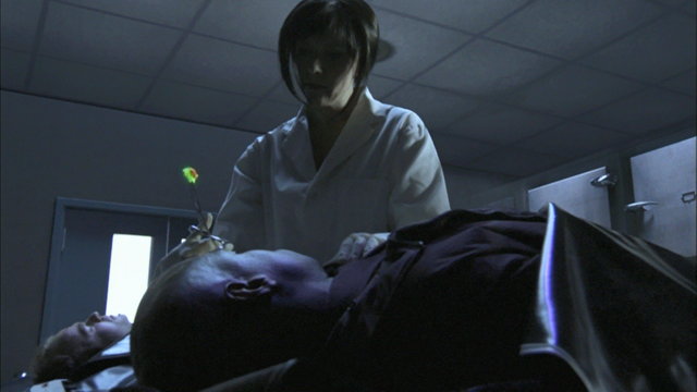 File:0x01 Helen collects a radioactive brain sample.png