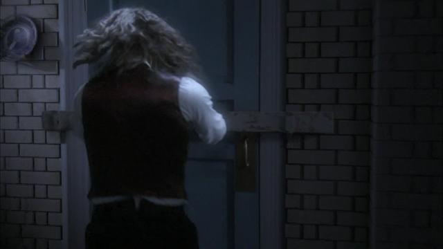 File:0x08 Bigfoot locks the kitchen door.png