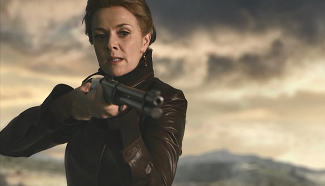 File:3x08 Helen after shooting Adam in the shoulder.png