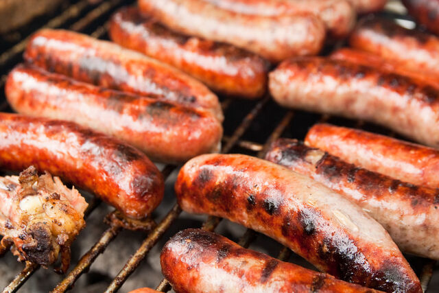 File:Italian sausage on the grill.jpg